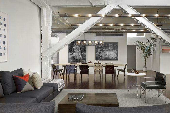 Laissez l'architecture vous guider dans un appartement ouvert