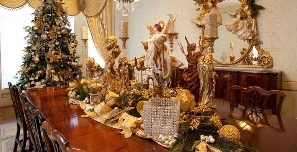Tout miser sur le sapin pour décorer votre salle à manger à Noël