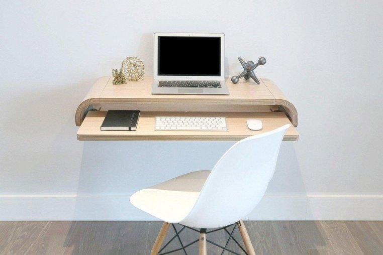Un bureau mural minimaliste