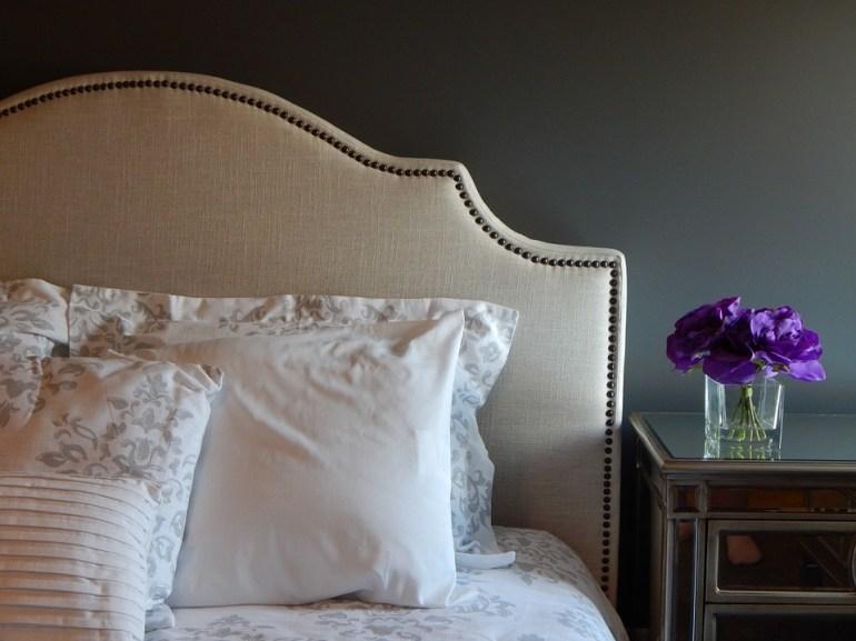 erreurs en décoration Feng Shui lit sans tête de lit