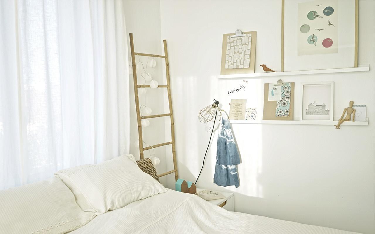 visite chez moi blancheur et fra cheur dans ma chambre. Black Bedroom Furniture Sets. Home Design Ideas
