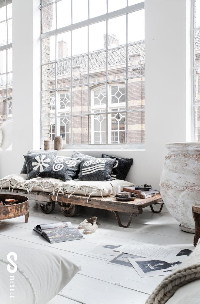 baies-vitrées-sols-blancs-décor-lumineux