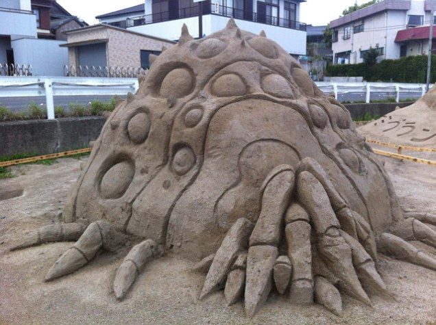 escultura arena nausicaa