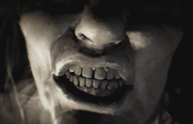 Resident Evil 7 mujer dientes