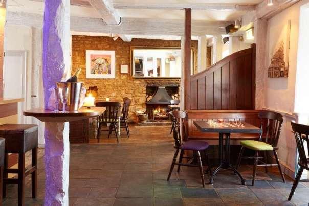 Country Inn Hotel Oxfordshire Bar