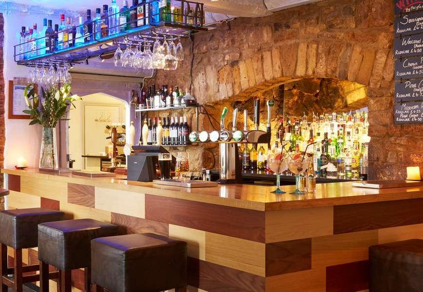 Country Inn Hotel Bar near Banbury