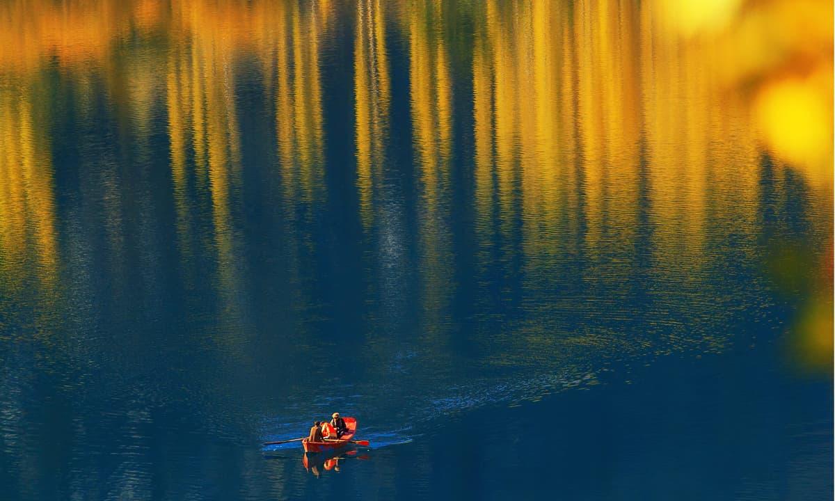 Boating in upper Kachura lake Skardu
