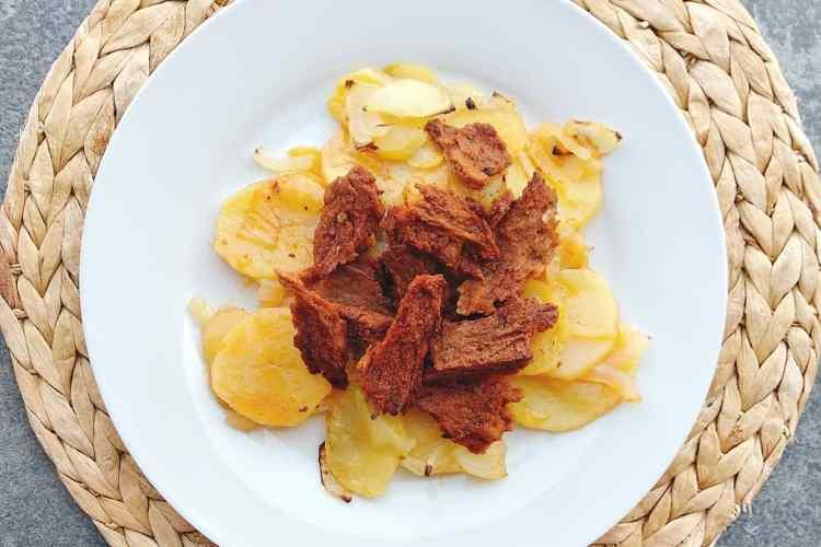 Seitan al pimenton con patatas