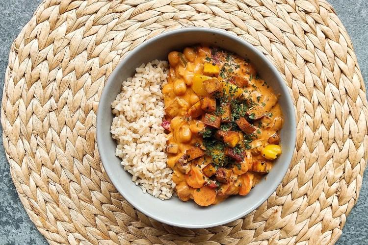 Curry garbanzos y mango