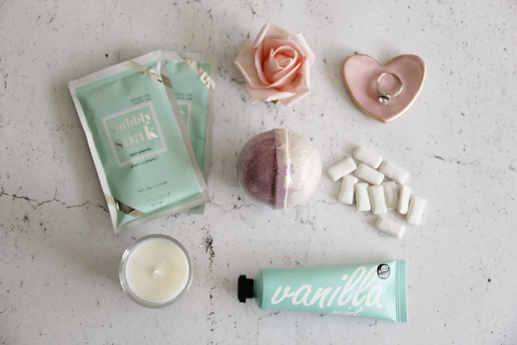curated-wedding-gift-box-008