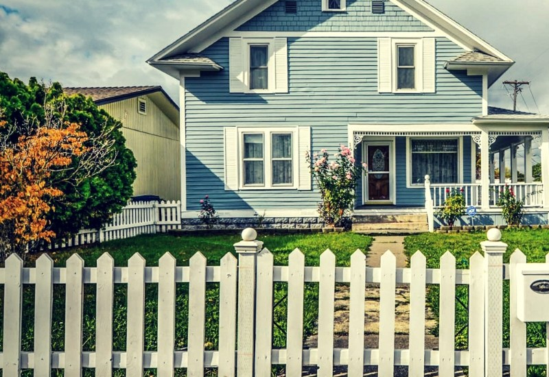 should you buy a house if you have student loans