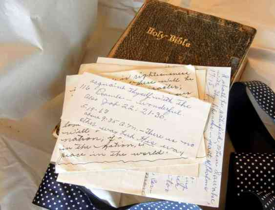 Nana's Bible And How She Left A Legacy For Her Family, vintage photo, 1920s clothing, woman and little girl's, Stradbroke Island, Australia, honeymoon, WWII, Nana's old Bible, family Bible, old letters, leaving a legacy, teach your children, Bible study