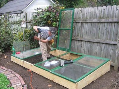 building cold frame, old window panes, winter gardening