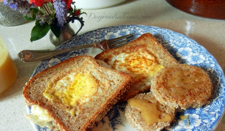 Egg-in-the-Basket ~A Cheery Breakfast, photos, sunrise, sunset, waking up, a new day, quick meal, planning, sleepyheads, pastured eggs, sprouted grain bread, Ezekiel Bread, prayer at mealtime, Food For Life, asking the blessing, saying grace, Good Morning!, frittata, omelet, cast iron skillet, cleaning, cast iron,