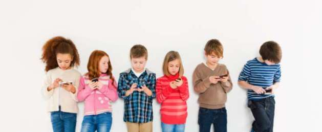 9 Facts About Wireless & Your Child's Brain, Electromagnetic Hypersensititvity, ADHD, Autism, Pong case, smart phone, low-level radiation, France, banning Wi-Fi from nursery schools, TV, radio, internet, Belgium, Israel, Finland, Russia, India, banning marketing of cell phones, restricting wireless routers at schools, imaging studies, wireless radiation during pregnancy, behavioral problems, impaired memory, increased hyperactivity, Class 2 B carcinogen, cellphones, new wireless technology, early senility, hand-held devices, vulnerability in utero, brain development, immune system, DNA changes and damage, sleep damage, altered brain activity, increased cancer, cellular changes, skin tissue changes, damaged sperm motility, memory impairment, damage blood brain barrier, US exposure standards, absorb radiation into brain, Dr. Om Ghandi, mobile phone, exposure, radiation levels, microwave oven, computer labs, radio frequency, electromagnetic field, EMF, cancer, leukemia, dumbing down, Wi-Fi, microwave radiation, children with smart phones
