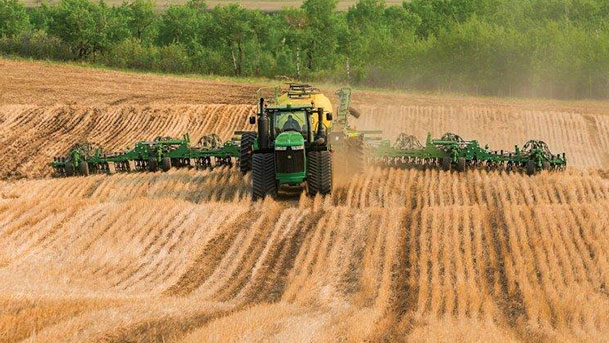 John Deere Equipment 6