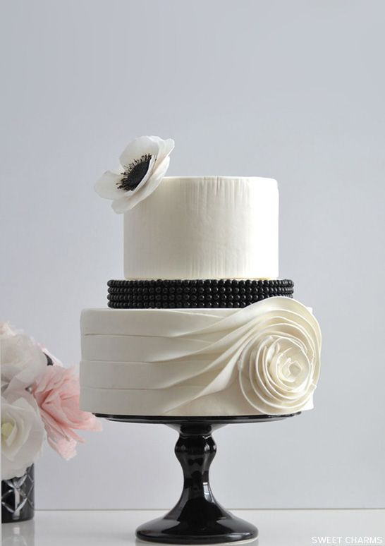 49 Amazing Black and White Wedding Cakes   Deer Pearl Flowers     Flowing Rose Black and White Wedding Cake by Sweet Charms
