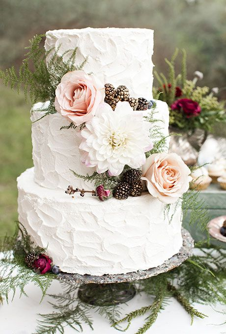 25 Buttercream Wedding Cakes We d  Almost  Kill For  with Tutorial         three tiered white wedding cake with textured buttercream and fresh  flowers and berries by Elise