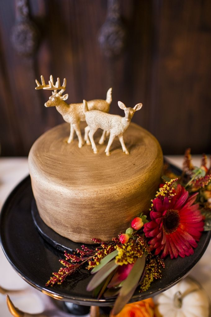 30 Gold Wedding Cake Ideas That Sweeten Your Big Day Deer Pearl Flowers