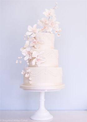 22 Elegant Wedding Cakes with Beautiful Details   Deer Pearl Flowers     Rosalind Miller Elegant Wedding Cake 13