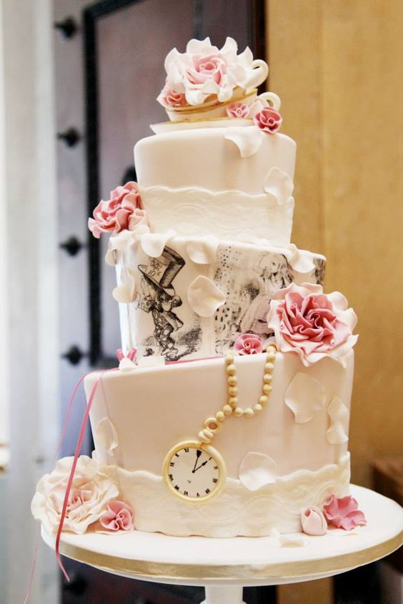 20 Creative Topsy Turvy Wedding Cake Ideas Deer Pearl