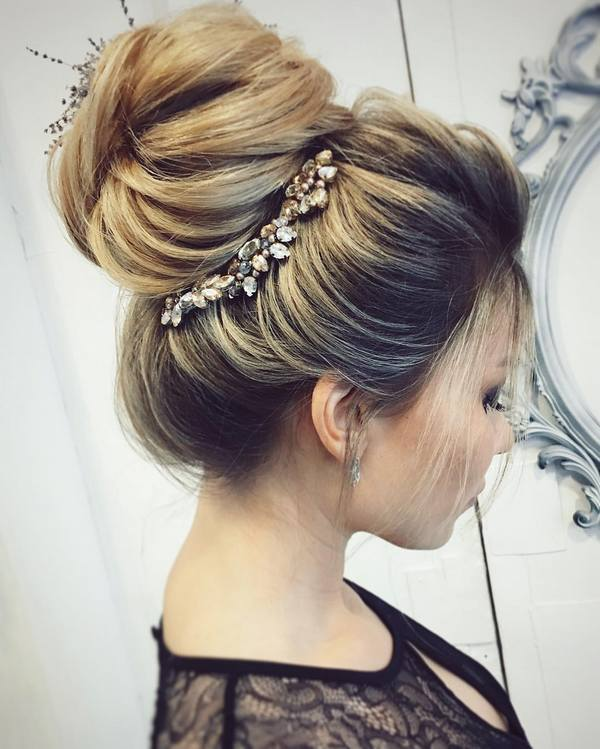 30 Chic Wedding Hair Updos For Elegant Brides Deer Pearl