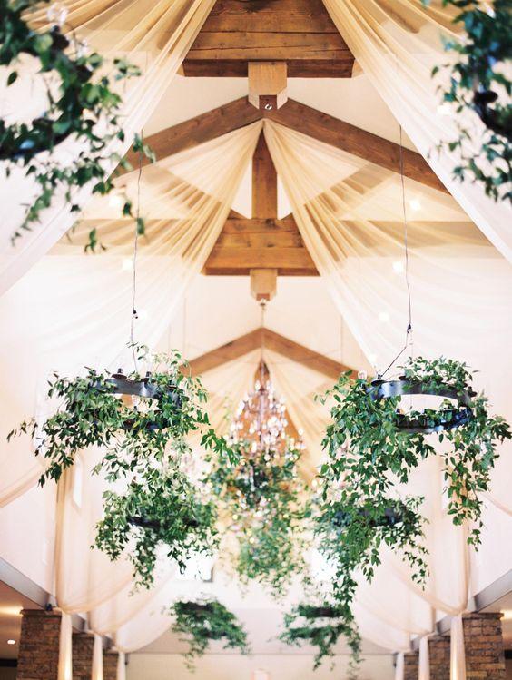 Natural romance, greenery-clad iron chandeliers wedding decor