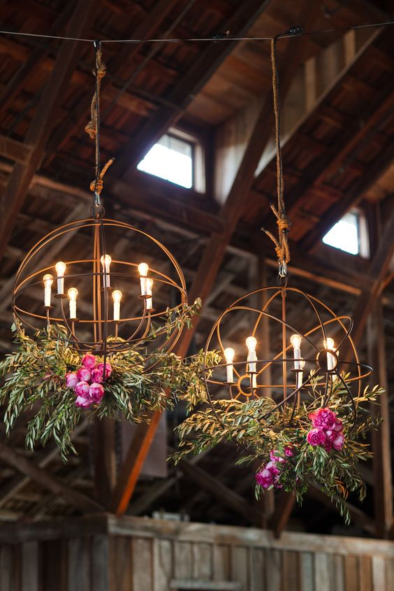 20 Stunning Floral Wedding Chandelier Ideas You Must See