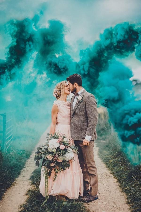 inspiring wedding photo with smoke bombs