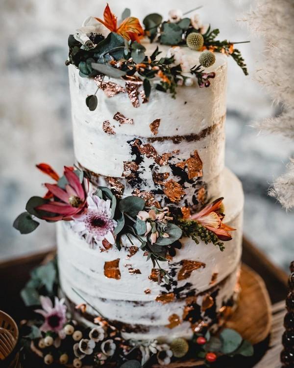 rustic naked wedding cake 15