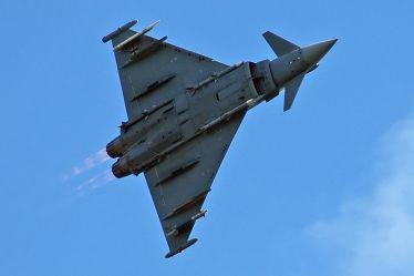 Eurofighter Typhoon vs Dassault Rafale - Defence Aviation
