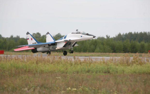MiG-29 landing