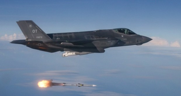 U.S. Air Force awards $768 million contract to Raytheon for AMRAAM missiles