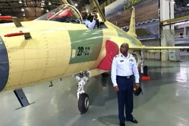 Nijeryalı pilotlar JF_17 Thunder