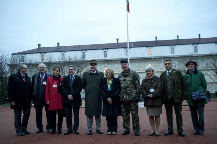 2016-01-08- photo de groupe Gouverneur- Rectrice- reservistes citoyens ...