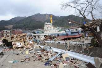Tug aground in Ofunato
