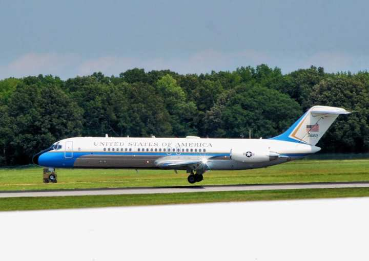 VC-9C Arrives at Dover 8/18/11