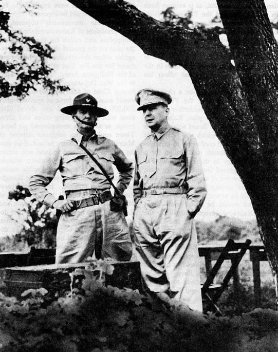 Wainwright and MacArthur in Philippines, October 1941