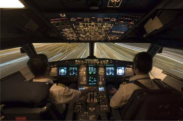 Airbus A321's glass cockpit and fly-by-wire