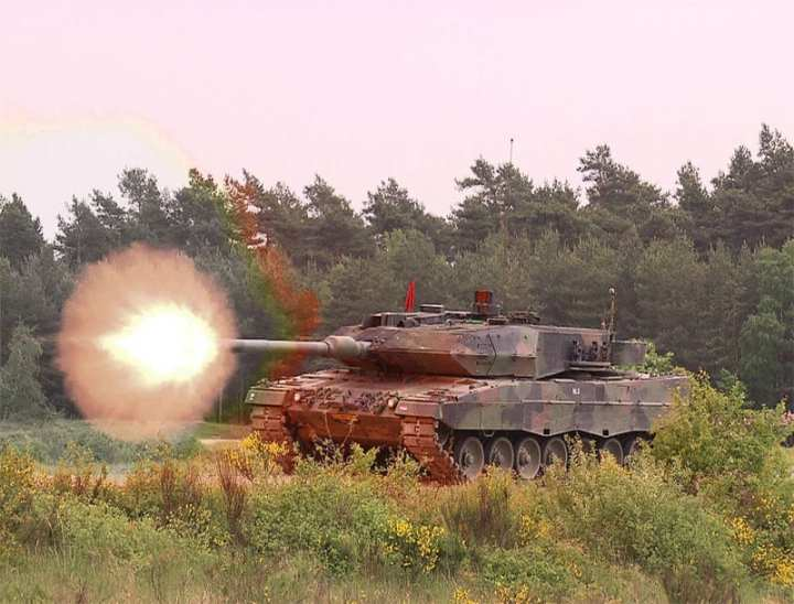 Dutch Leopard 2A6