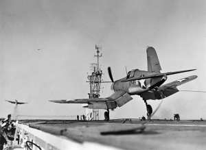 F4U-1 VF-17 landing CVE-30 1943