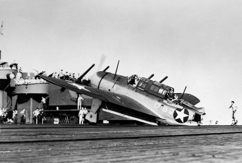SB2C-1 VB-17 USS Bunker Hill (CV 17) 1943