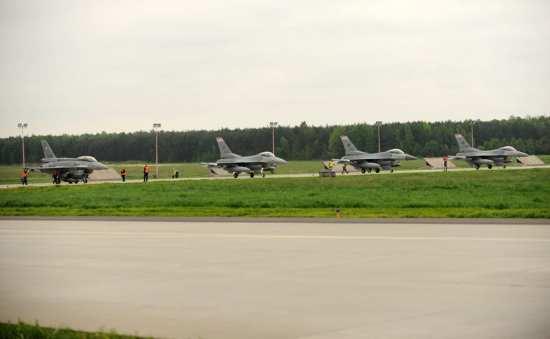 U.S., Polish F-16s