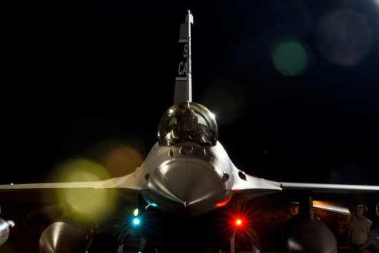 F-16 spools up