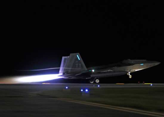 F-22 Takes off