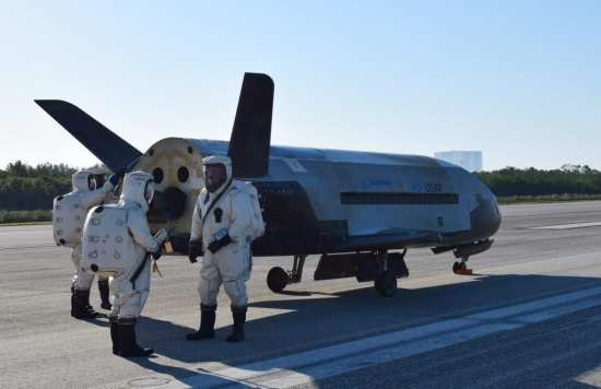 X-37B OTV-4 Returns to Earth | Video