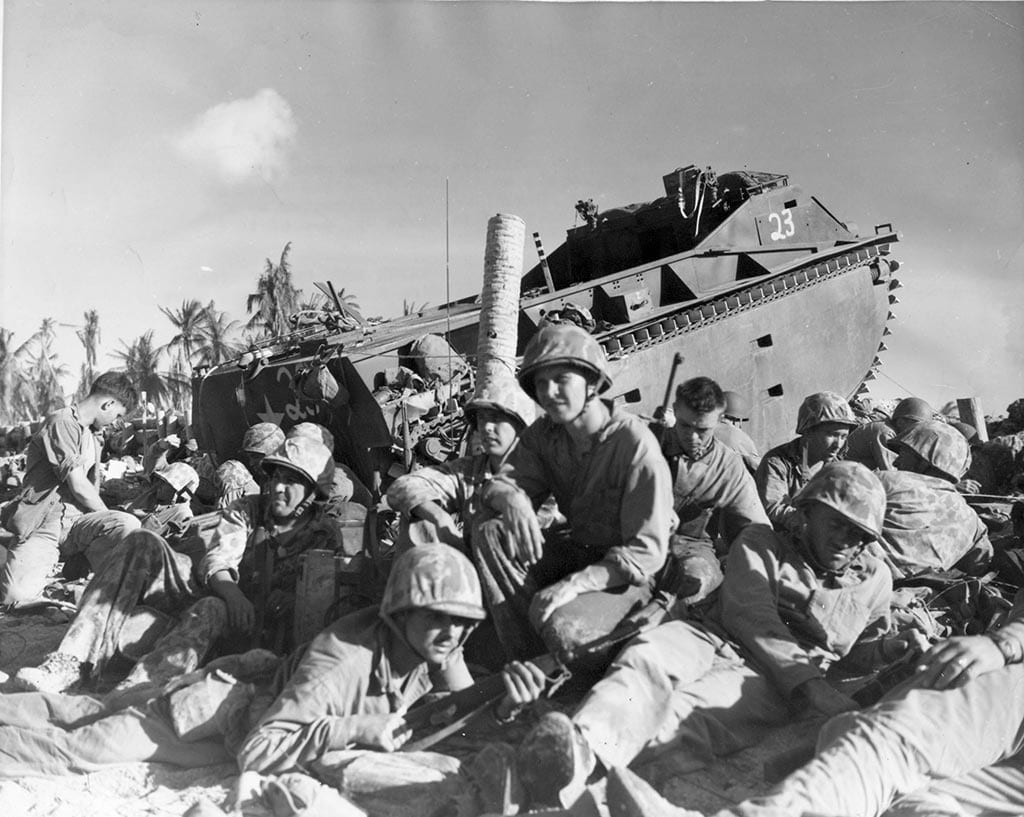 tarawa-lvt-on-the-beach