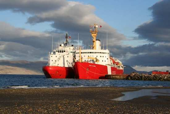 Canadian icebreakers