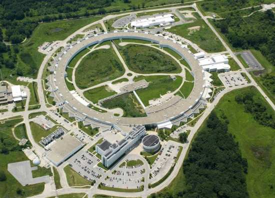 Aerial photograph of the U.S. Department of Energy Office of Science's Advanced Photon Source at Argonne National Laboratory as of June 2014. Credit: Argonne National Laboratory