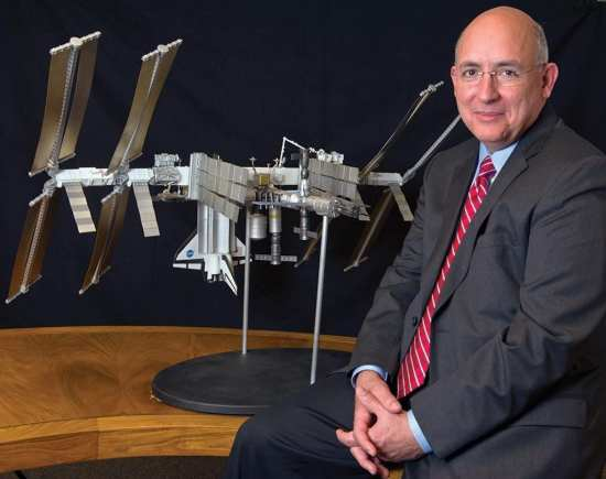 Suffredini and model of ISS web